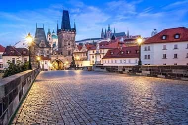 sir tobys hostel prague charles bridge