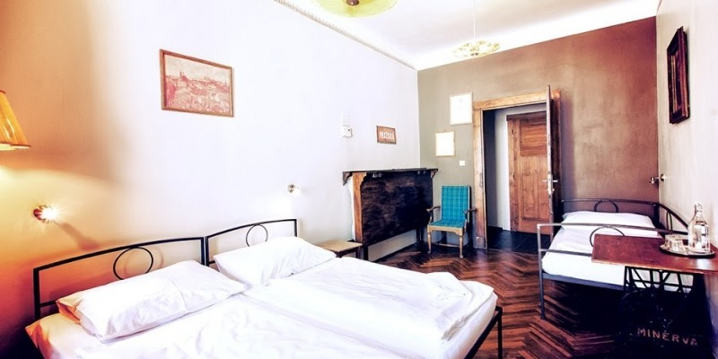 sir tobys hostel prague triple private room
