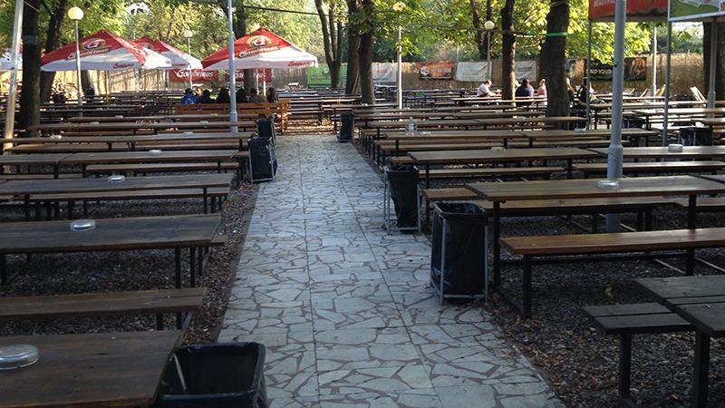 reigrovy sady beer garden prague 800x450