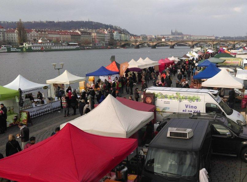 Naplavka Market