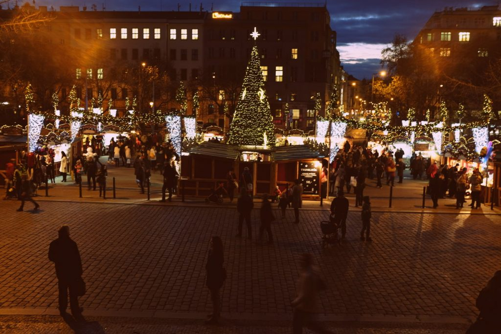 rsz_christmas_markets_and_christmas_tree