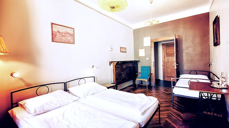 sir tobys hostel prague double triple room