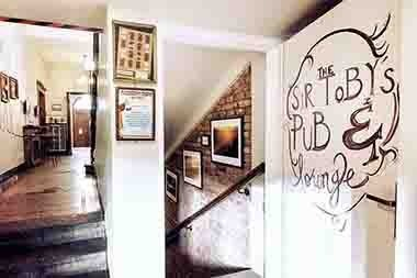 sir tobys pub prague