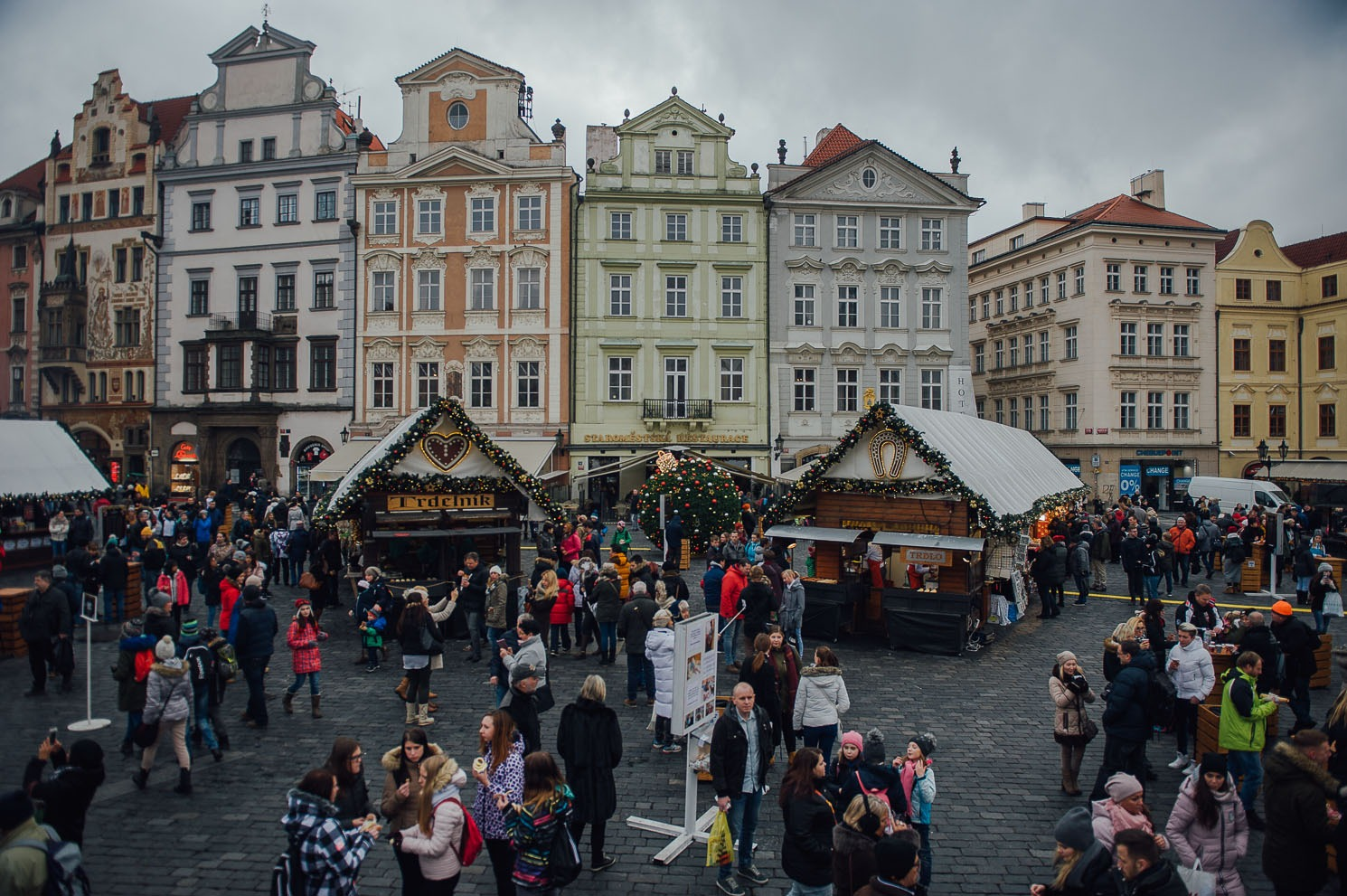how to eat your way through pragues christmas markets