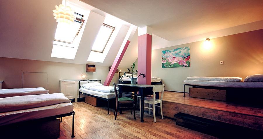 sir tobys hostel prague shared room