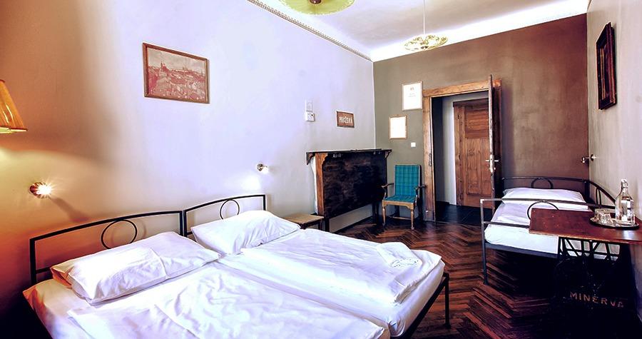 sir tobys hostel prague private room