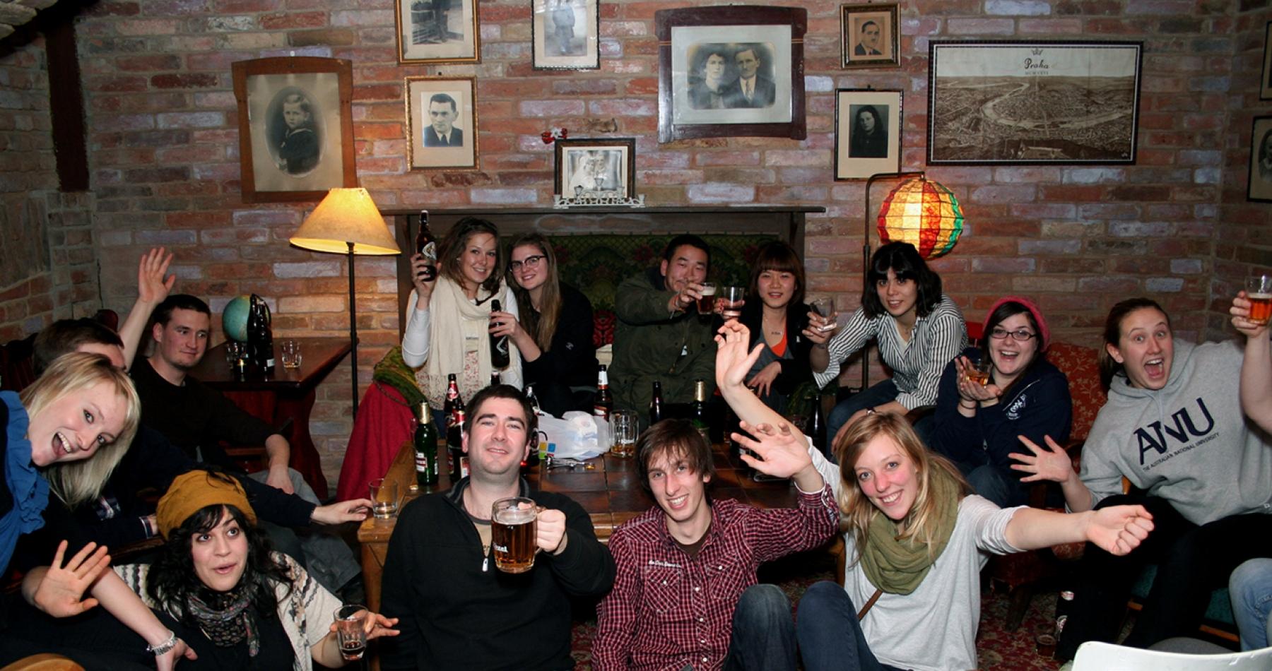 sir tobys hostel prague pub
