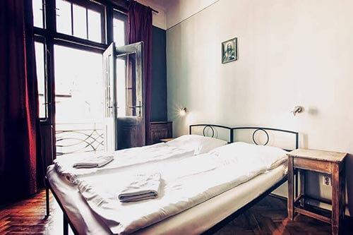 sir tobys hostel prague double room